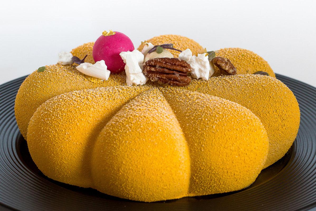 Burkānu-apelsīnu kūka