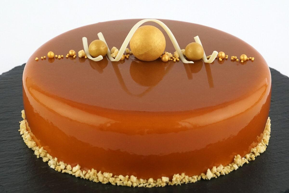 Bumbieru-karameļu kūka
